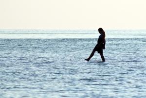 20090908_walking_on_water_lake_erie